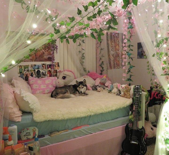 Azalea Fairy On Twitter In 2021 Indie Room Indie Room Decor Room Inspiration Bedroom