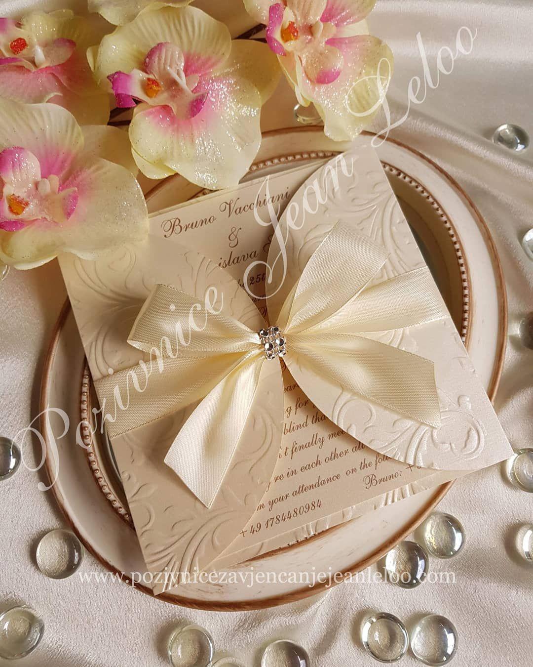 So Elegante Hochzeitseinladung Was Denkst Sie Hochzeit Hochzeiten Hochzeitsideen Einladunghochzeit Einladung Einladung Boxes And Bows Wedding Bows