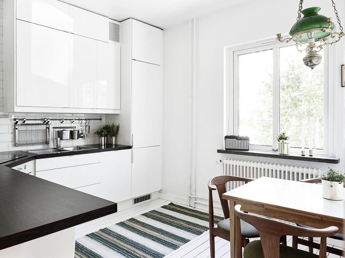 Un tapis dans la cuisine  Tapis cuisine, Idée de décoration, Tapis