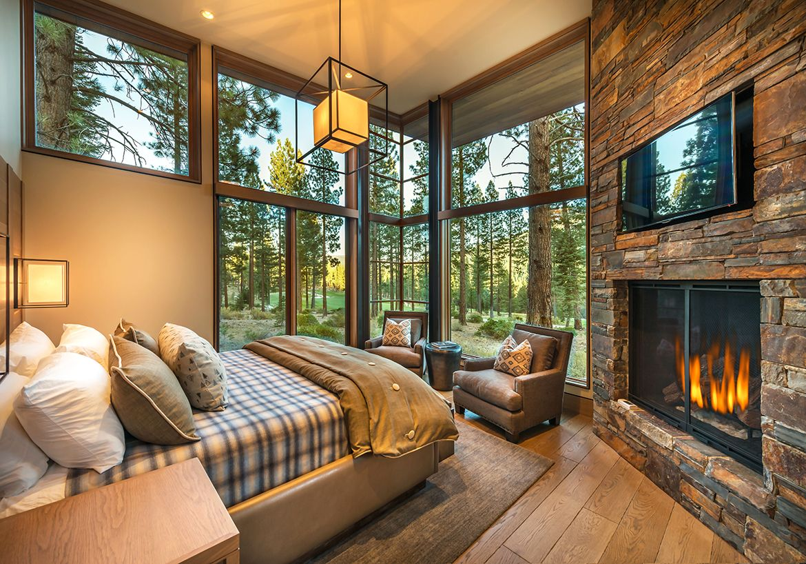 Family Fun in the Forest at this Modern Mountain Retreat #mountainhomes