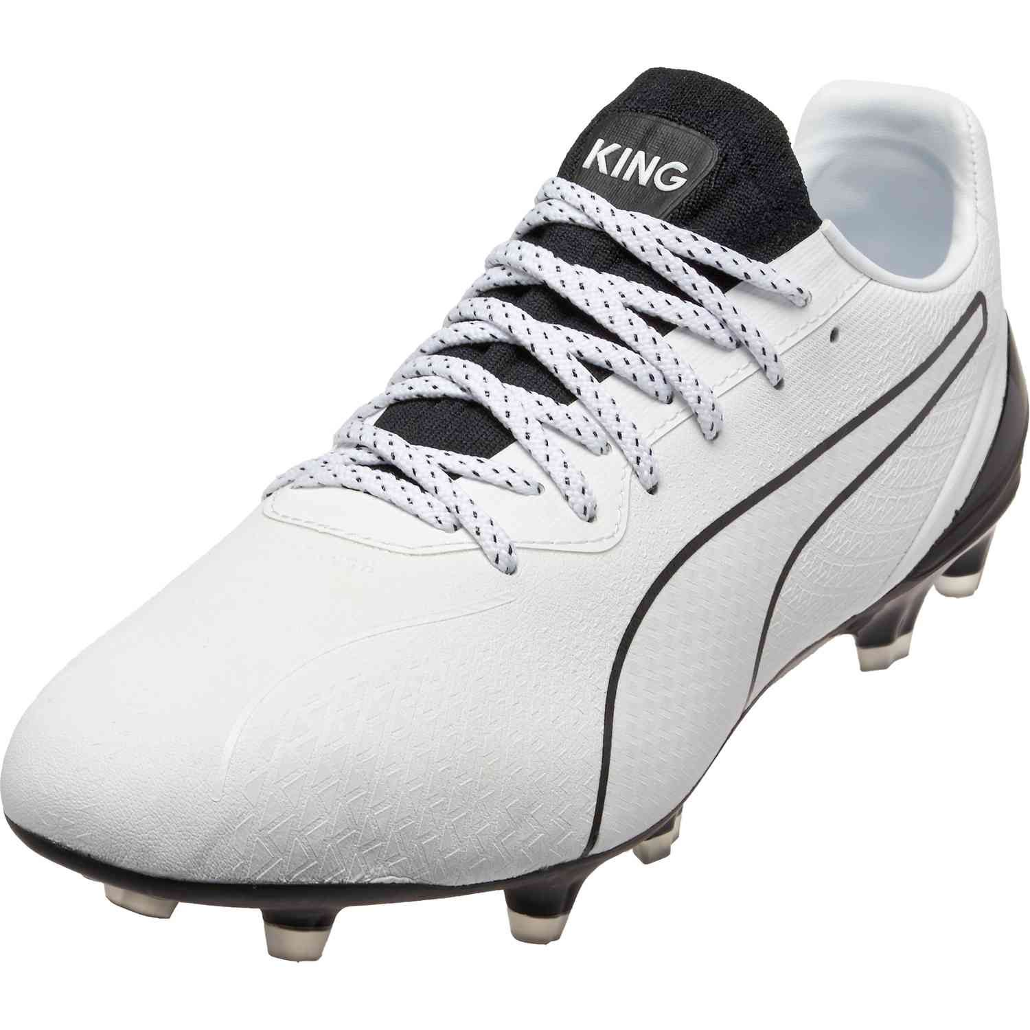 Puma King Lazer Touch Fg White Black Soccerpro In 2020 Puma Football Boots Football Boots Puma