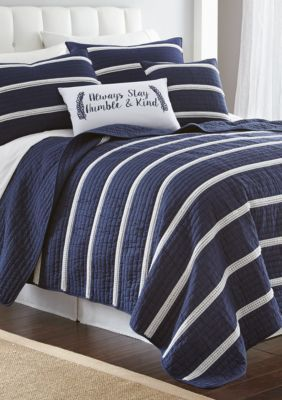 Elise & James Homeâ?¢ Mini Poms Full/Queen Quilt - Navy - King ... : quilt king products - Adamdwight.com