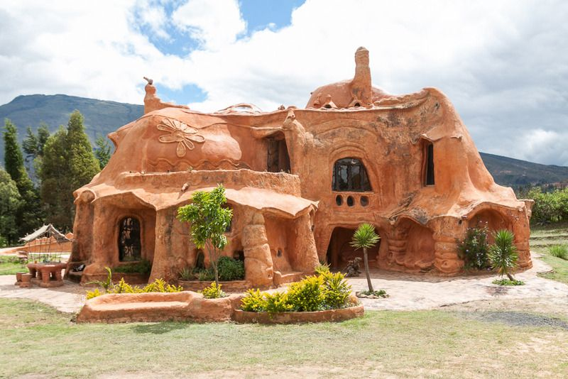 Could This Surreal Terracotta House Be The World S Largest Piece Of Pottery Casa Terracotta Terracotta Unique Houses