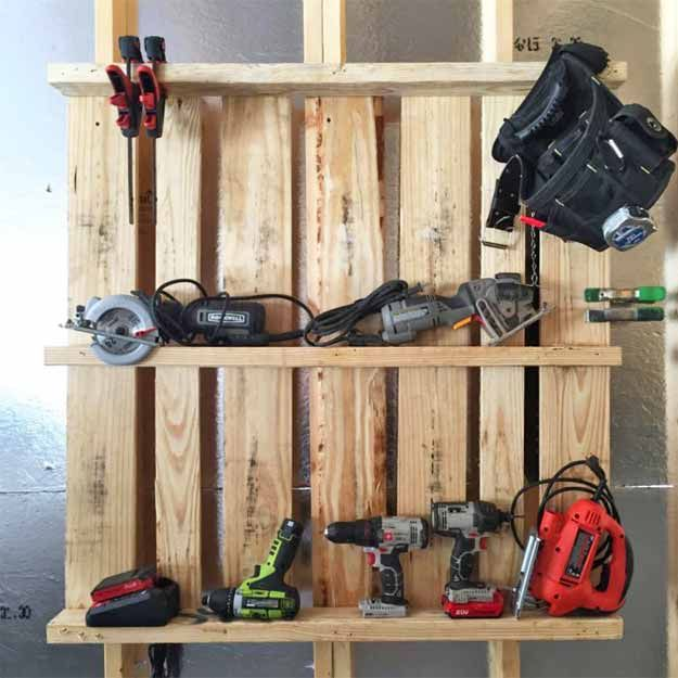 Diy Garage Storage Ideas Projects: Pallet Idea: Tool Organizer For The Garage
