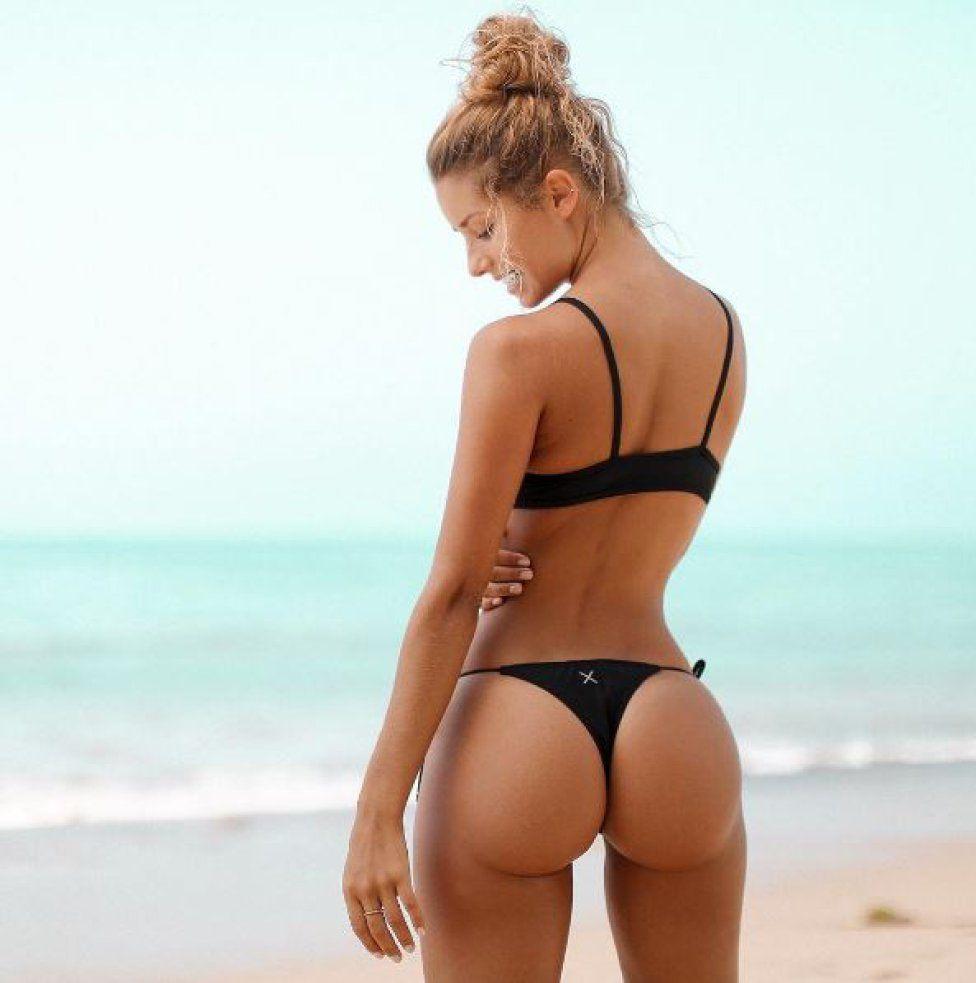 Modelos de bikini femenino joven