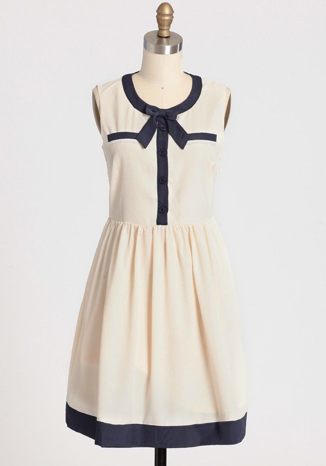 Picture Perfect Bow Dress In Ivory