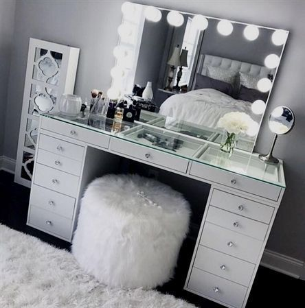 MP VANITIES SHOWROOM for Sale in Stockton, CA images