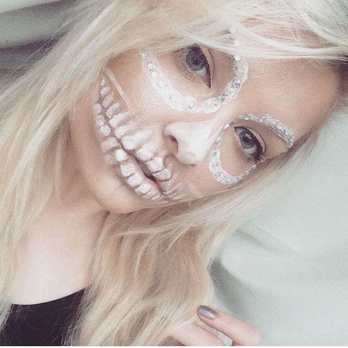 Halloween Makeup Nurse ==> https://t.co/8gKVoDOdBr #halloweenmakeupideas #Halloween #HappyHalloween #Halloween2017 https://t.co/b0VSV9sL3h