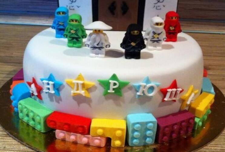 Cake Tools Holes Lego Mini Figure Robot Ice Cube Tray Mold Chocolate Cake Jelly