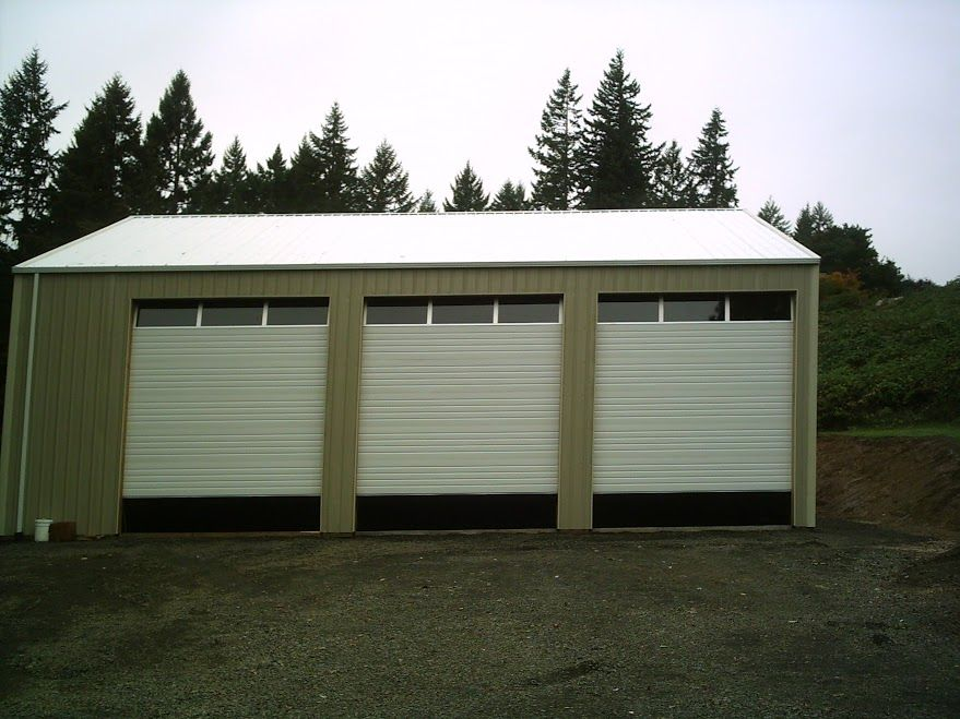 Photo 79 40 X 46 X 16 Pole Building With Overhead Doors With Windows Pole Buildings Overhead Door Doors