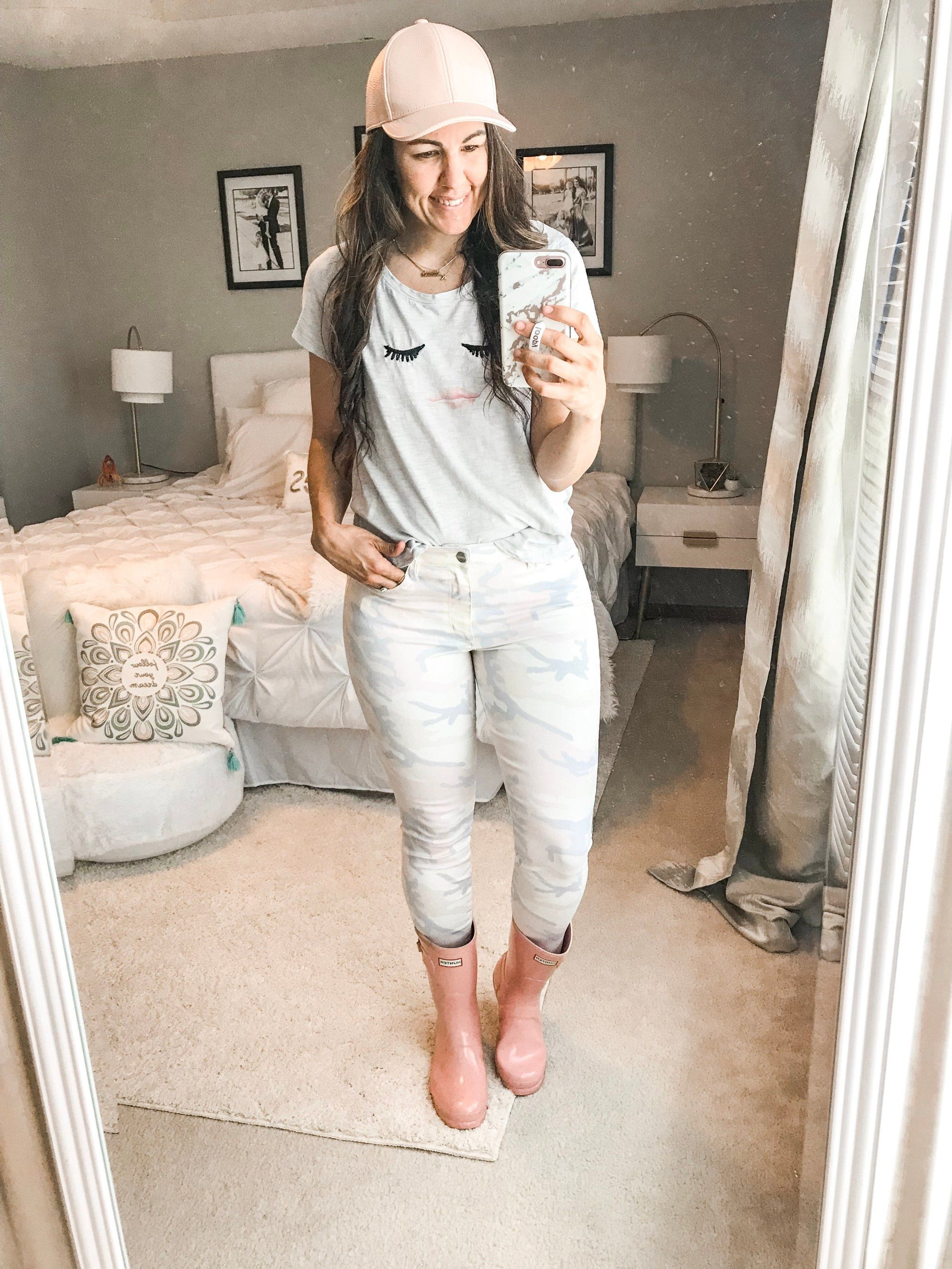 10 Simple and Easy Rainy Day Outfits - the Flexman Flat