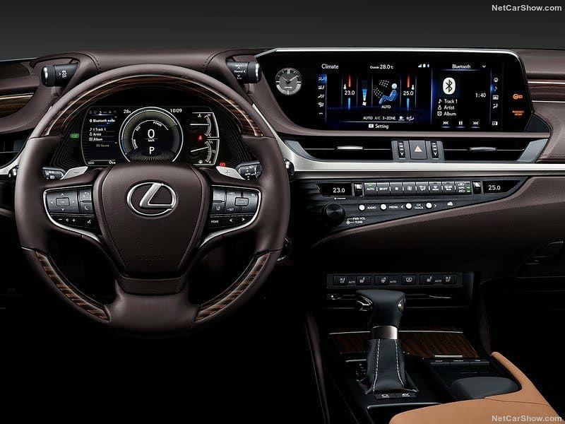 Concorrente De Audi A6 Bmw Serie 5 E Merceds Benz Classe E A Lexus Apresentou O Novo Es Modelo Bem Sofisticado E Com Solucoes