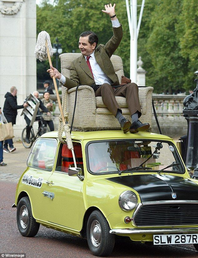 Mr Bean Heads To Buckingham Palace Atop His Iconic Lime Green Mini Mr Bean Mr Bean Funny Johnny English