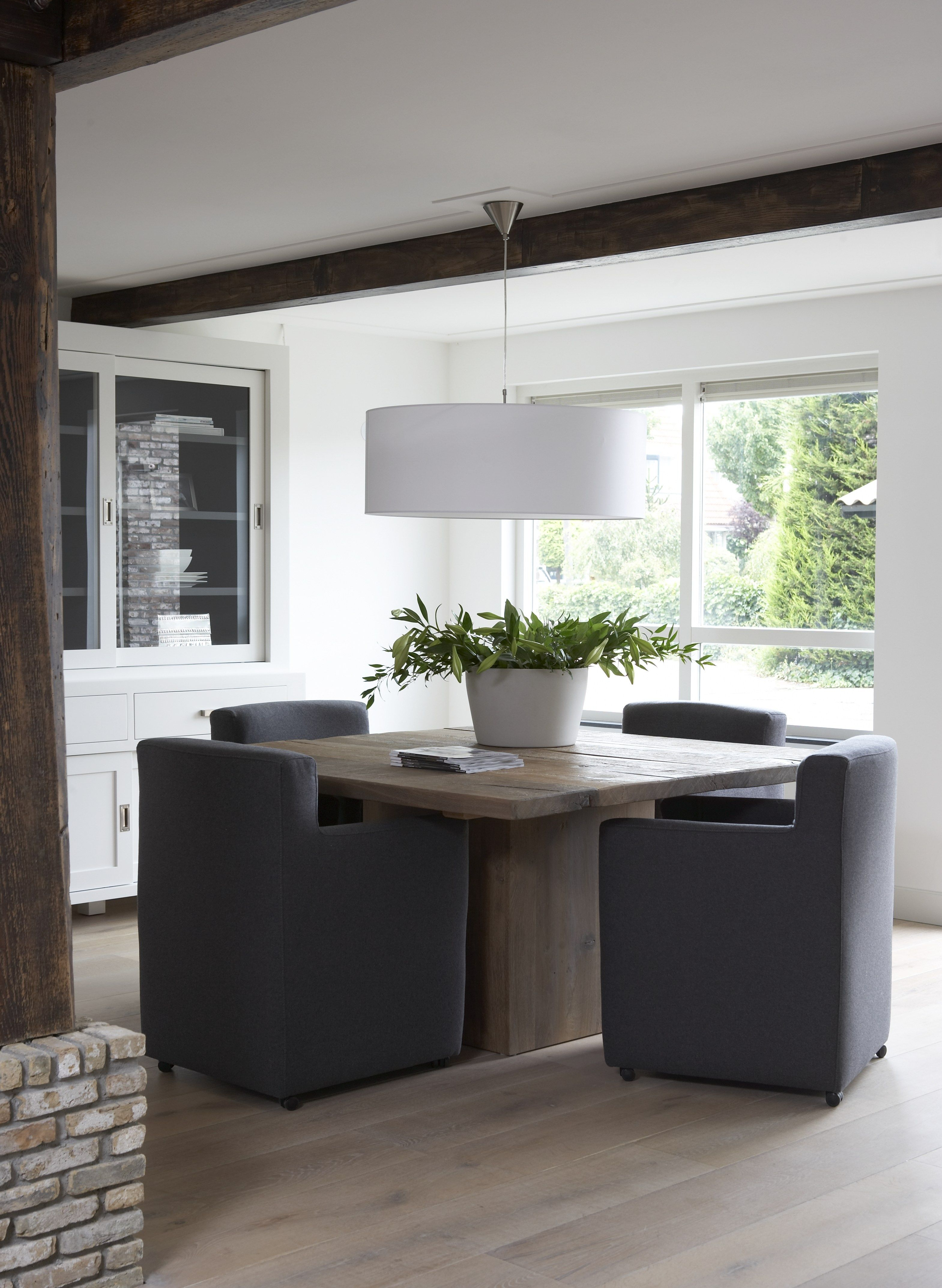 square oak table with comfortable chairs home and. Black Bedroom Furniture Sets. Home Design Ideas
