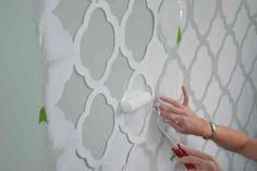 Hoe kun je een sjabloon maken en aanbrengen op muren (sjabloneren)?