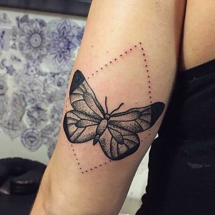 schmetterling tattoo symbolik bedeutung und modelle pinterest schmetterling tattoo. Black Bedroom Furniture Sets. Home Design Ideas
