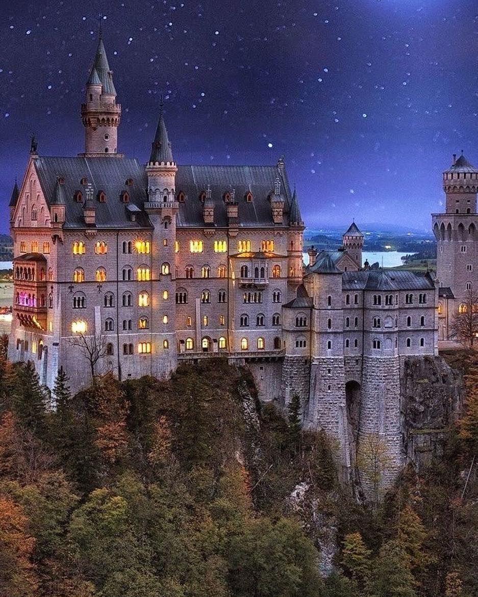 Schloss Neuschwanstein On Instagram Neuschwanstein Castle Germany Castles Castle Bavaria
