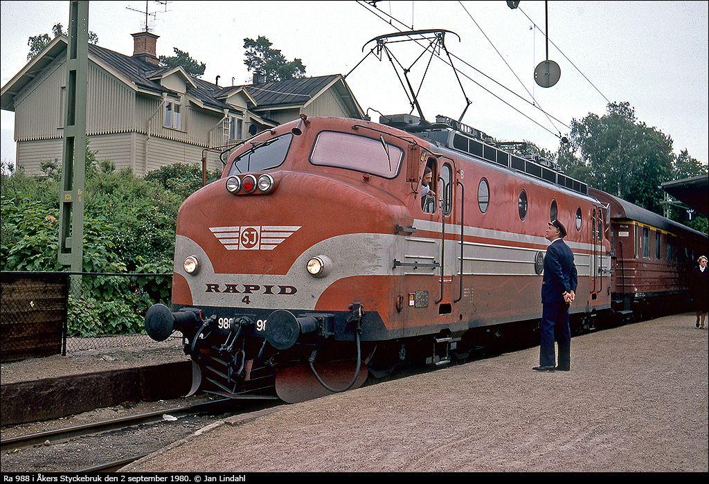 Image Train Old Cars Railway