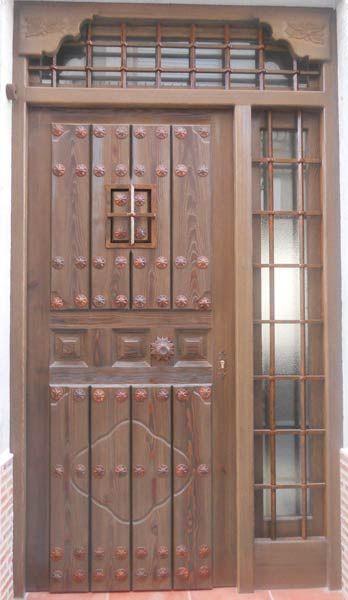 Puertas antiguas de madera espana google search for Puertas principales de madera rusticas
