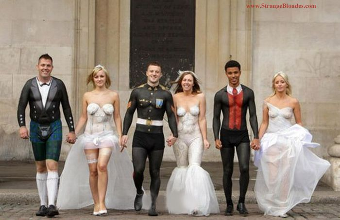 1000  images about Unique & Unusual Wedding Gowns on Pinterest ...