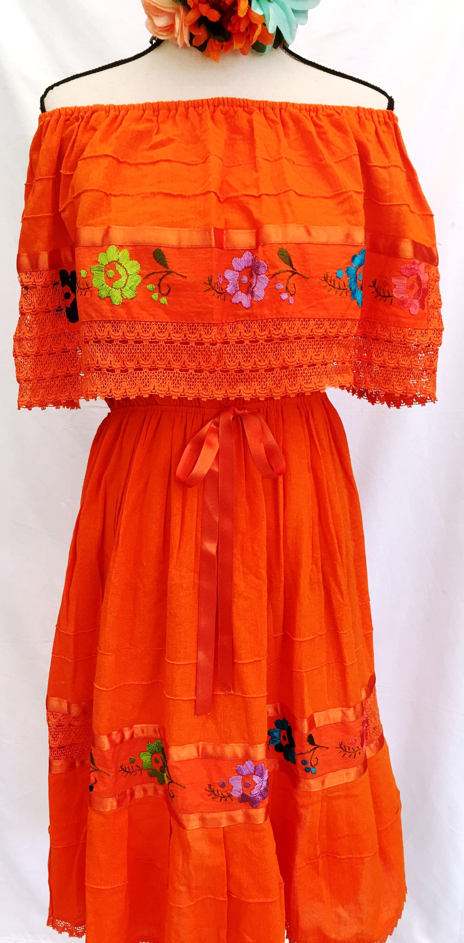 Mexican Dress Embroidered Crocheted W Ribbon Orange Floral Peasant Vintage Fits Up Xl Women S 100 Cot Mexican Dresses Mexican Embroidered Dress Mexican Outfit [ 3000 x 1476 Pixel ]