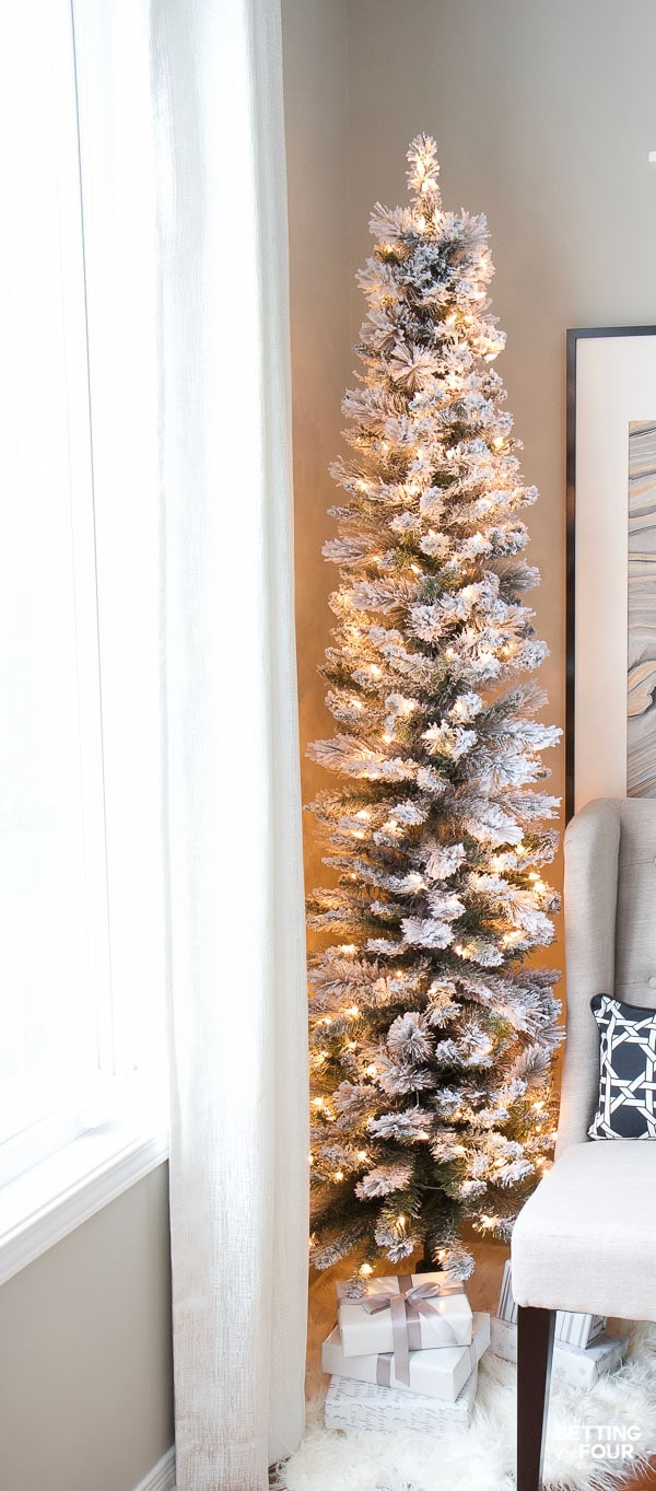 How To Set Up A Flocked Christmas Tree To Minimize Flock Shedding Pencil Christmas Tree Small Christmas Trees Decorated Flocked Christmas Trees Decorated