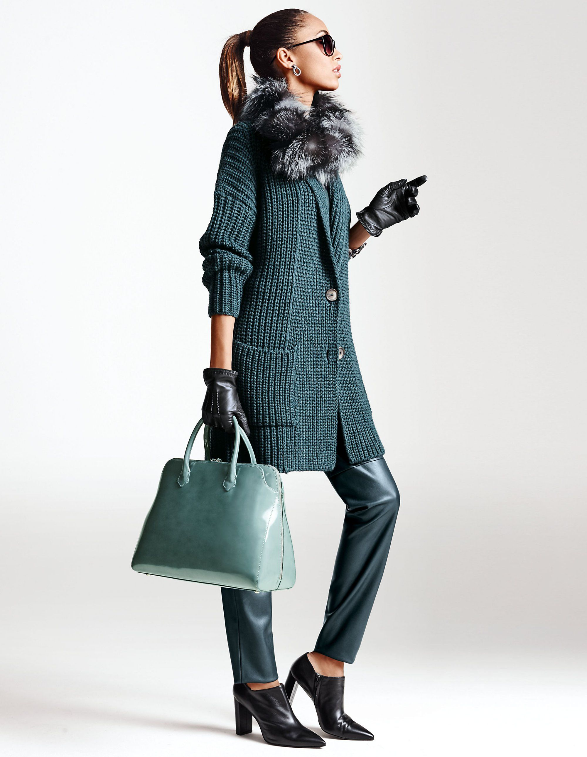 Petrol Kombinieren Kleidung : petrol ist die trendfarbe der saison kombiniert mit ~ Watch28wear.com Haus und Dekorationen