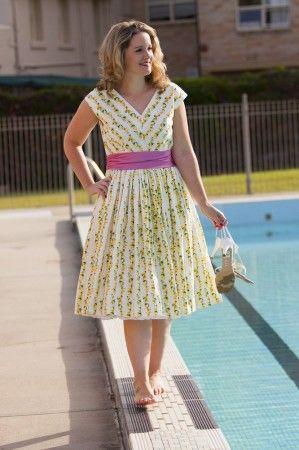 Vintage Vogue 8789 | Sewing blogger creations | Pinterest