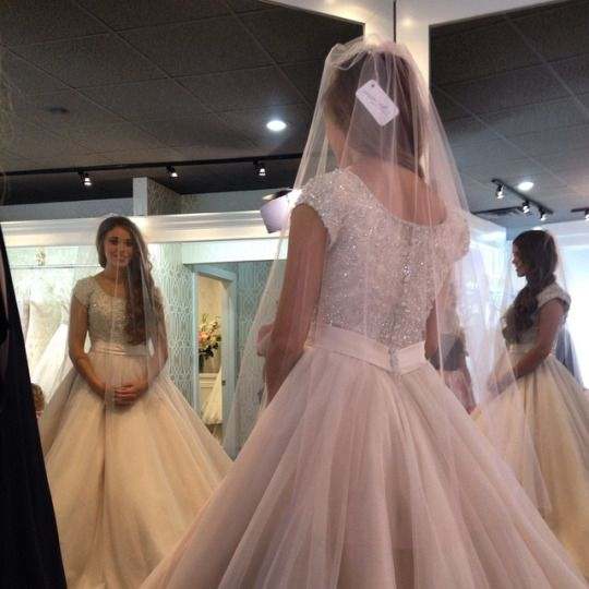 What To Take When Trying On Wedding Dresses