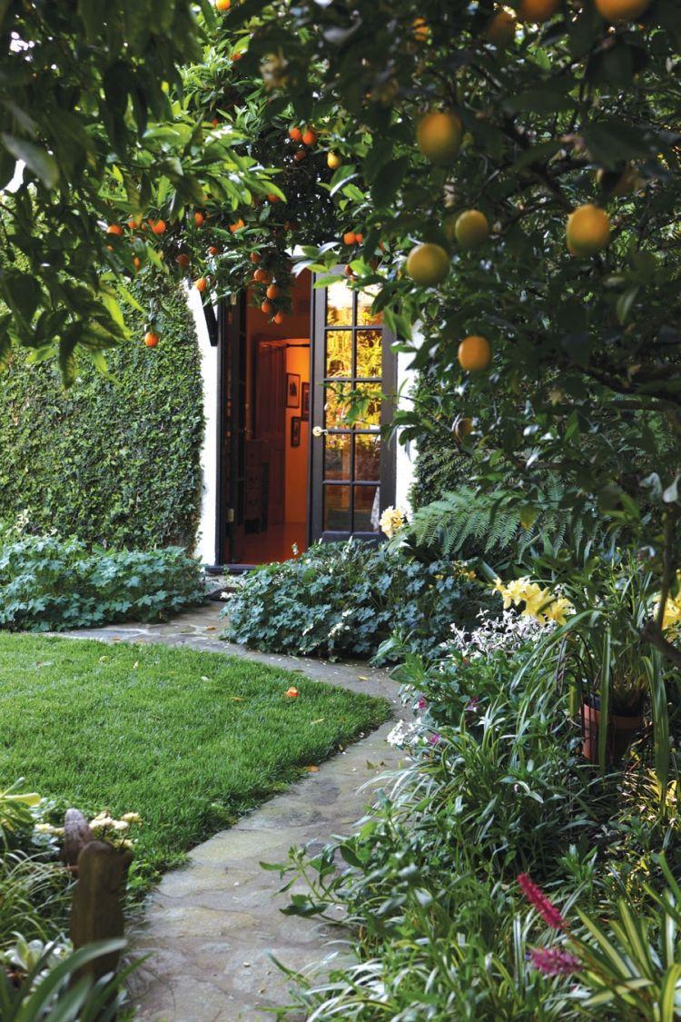 pflanzen unter obstb umen obstgarten gartengestaltung gartenweg rasen garten pinterest. Black Bedroom Furniture Sets. Home Design Ideas