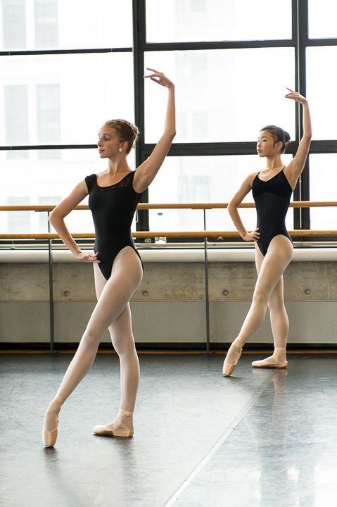 Ballett ist Frau: Unterstützung für echte Frauen in einer seltenen Kunstform Ballett für Erwachsene
