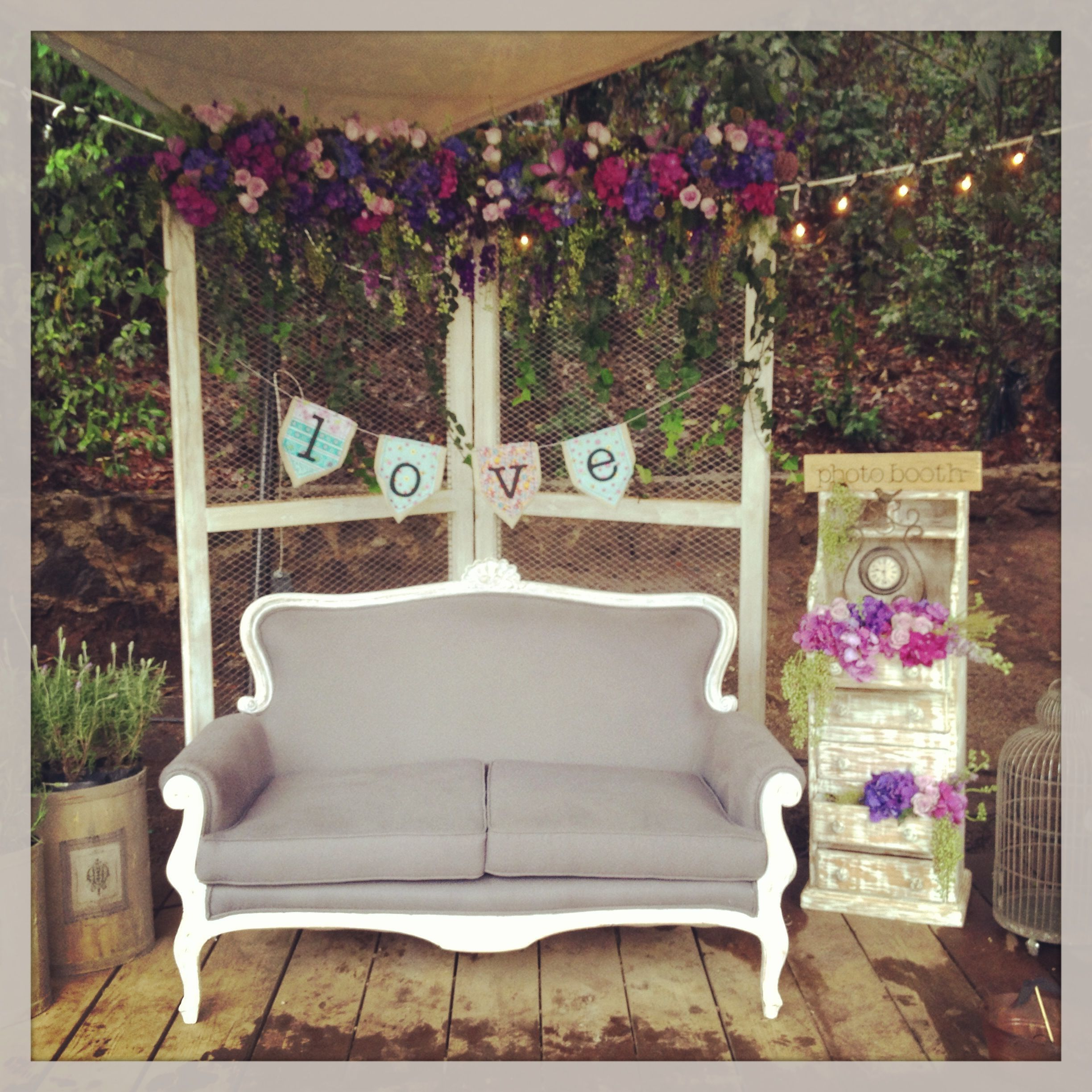 Photobooth Nice Idea For Your Wedding Vintage Flowers