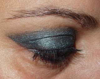 Maquillaje and Beauty: Look de ojos gris  paso a paso y swatches.