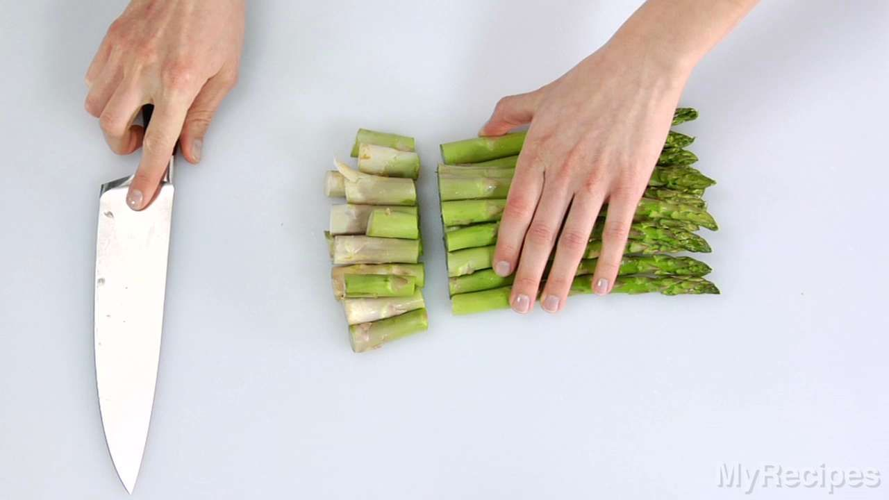 How To Trim Asparagus Asparagus Recipes Healthy Asparagus Asparagus Recipe