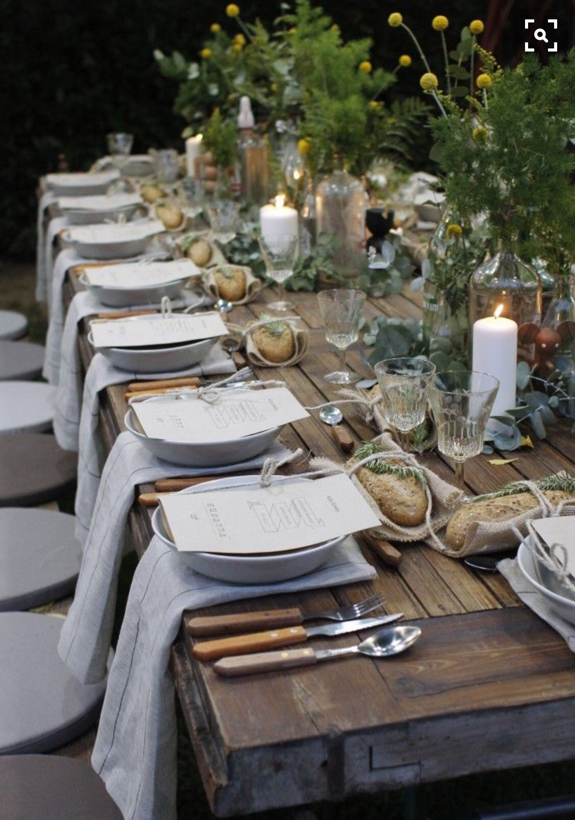 Love the individual loafs of bread at each place setting | Tuscan Or ...
