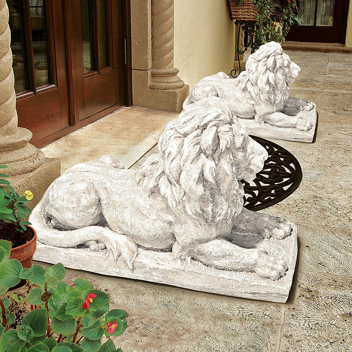 Design Toscano Lyndhurst Manor Lion Sentinel Statue Animal