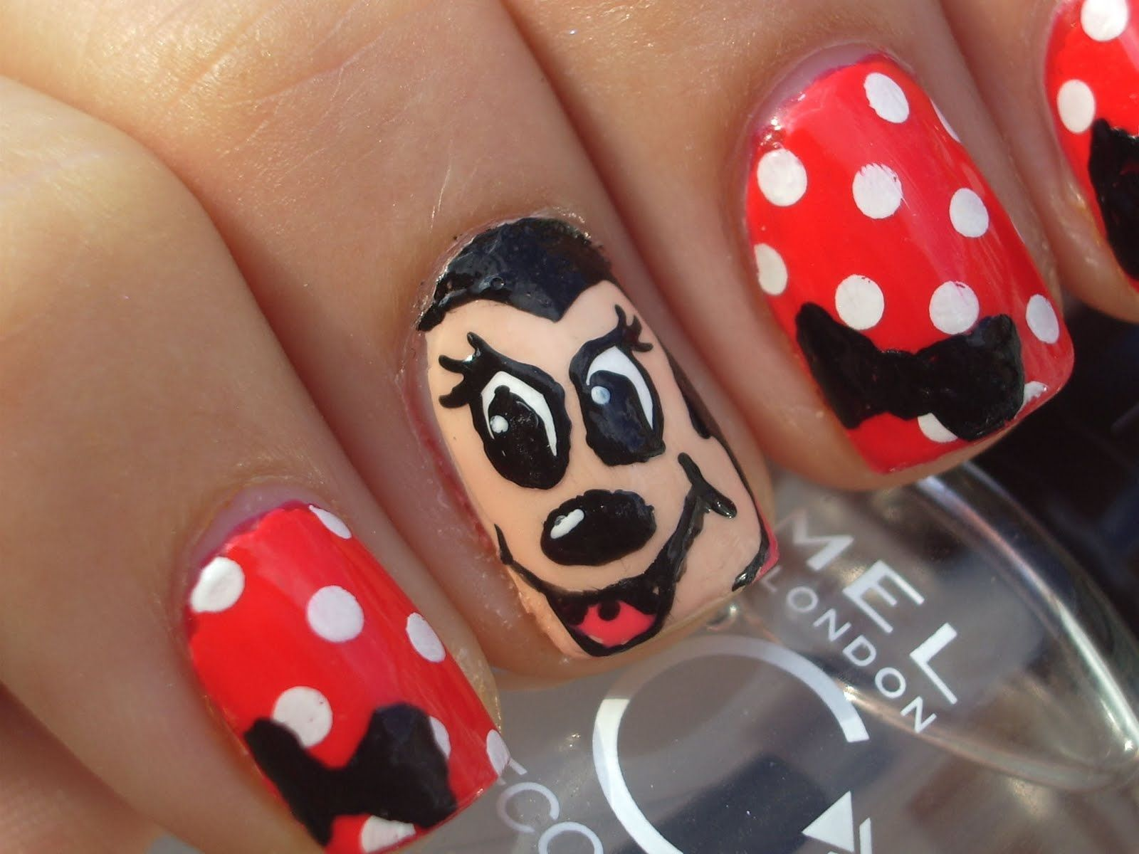 Minnie Mouse - Disney Nail Art | Nails | Pinterest | Karneval ...