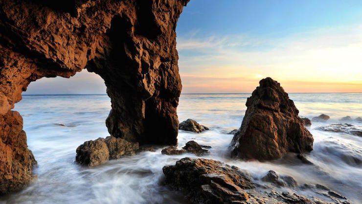 6 Beautiful Hidden Beaches In La Los Angeles Beaches Topanga Beach Hidden Beach