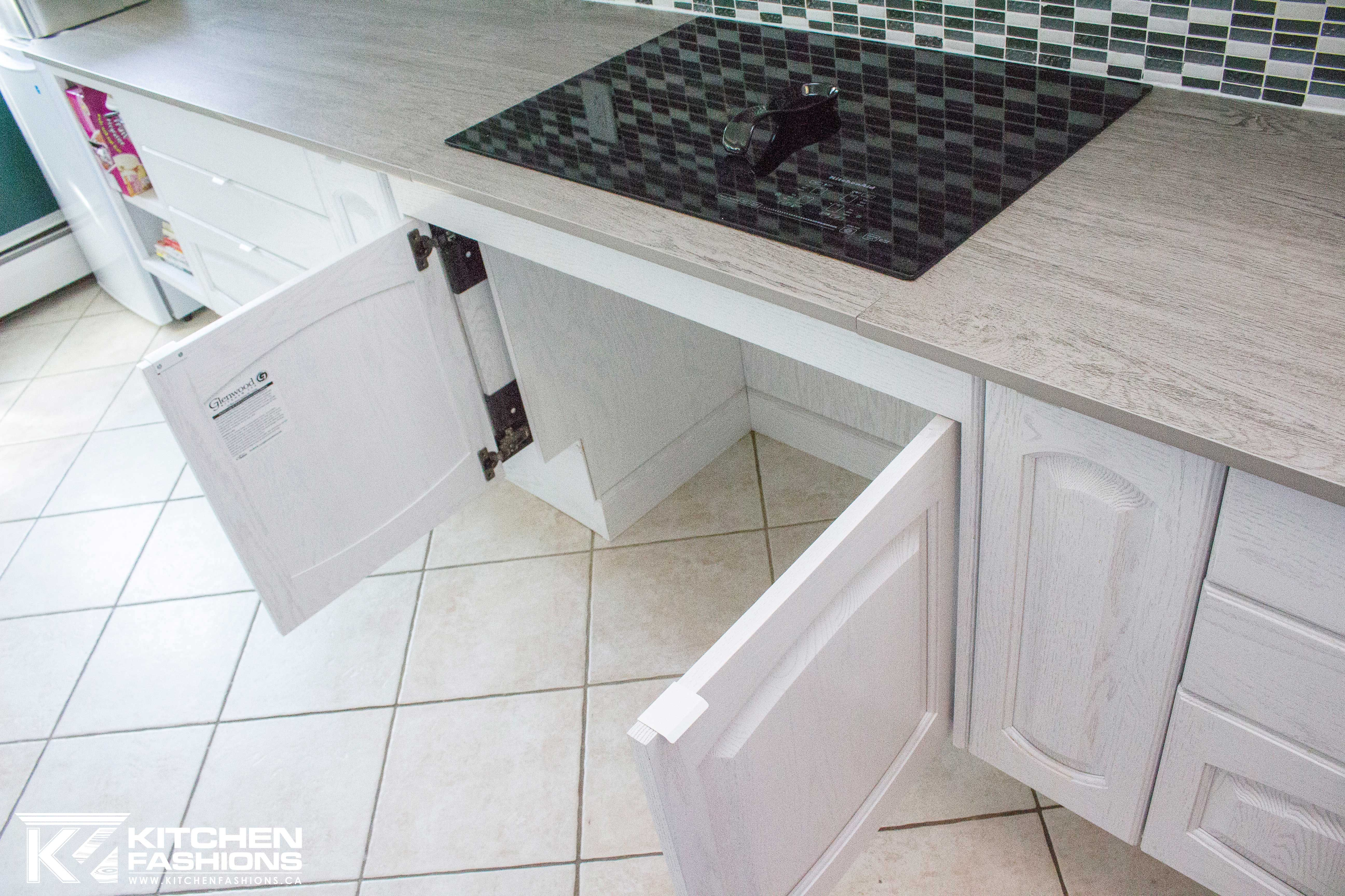 Roll Under Stove Top For Wheelchair Accessible Kitchen Cabinet Doors Open And Push Into The Cabinets Accessible Kitchen Kitchen Inspirations Living Spaces