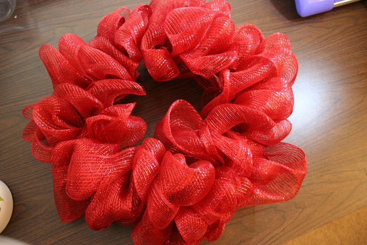 How to make a mesh ribbon wreath Mesh ribbon wreaths