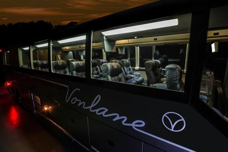 Luxury Bus Service Aimed At Road Warrior Business Travelers Launches Houston Dallas Route 2015 Apr 17 Luxury Bus New Downtown Travel