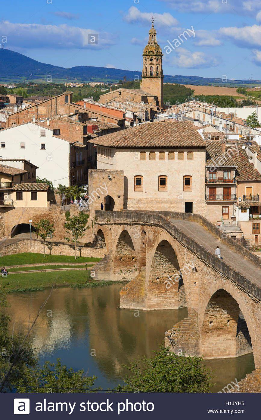 Descargar Esta Imagen Camino De Santiago De Puente La Reina Gares Puente Medieval El Río Arga Camino España Camino De Santiago Francés Camino De Santiago
