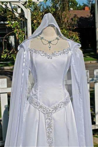 Celtic wedding dress | pretty dresses | Pinterest | Celtic wedding ...