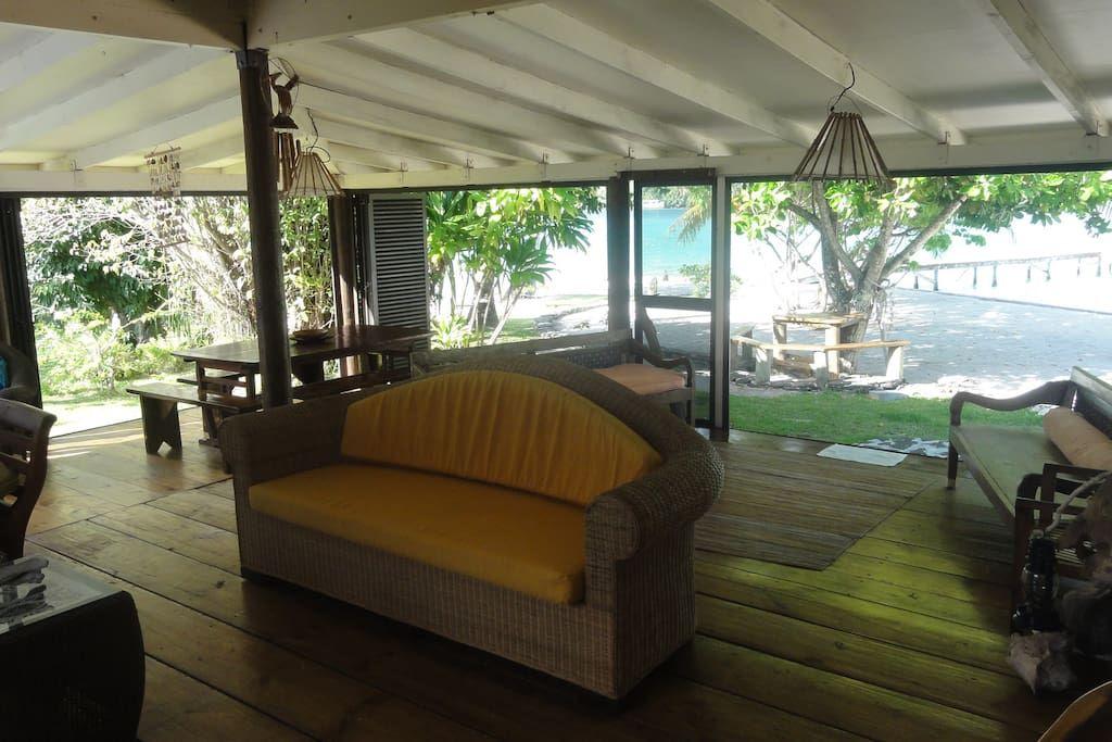 Regardez ce logement incroyable sur Airbnb : MOTU LODGE - Maisons à louer à…