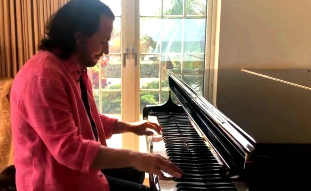 کنسرت آنلاین یانی فقط ۱۰ دقیقه طول کشید ببینید Music Instruments Piano