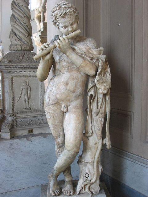 træ statue med penis