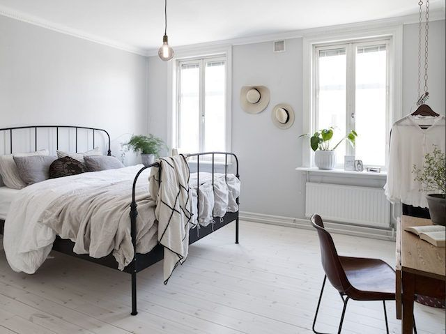 A lovely clutter-free, light and airy Swedish pad