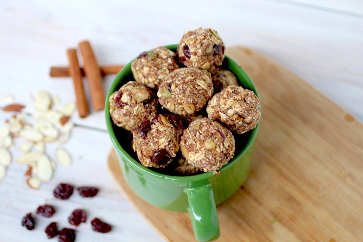 Naughty or Nice? Trail Mix Holiday Cookie Balls {+ my love affair with trail mix