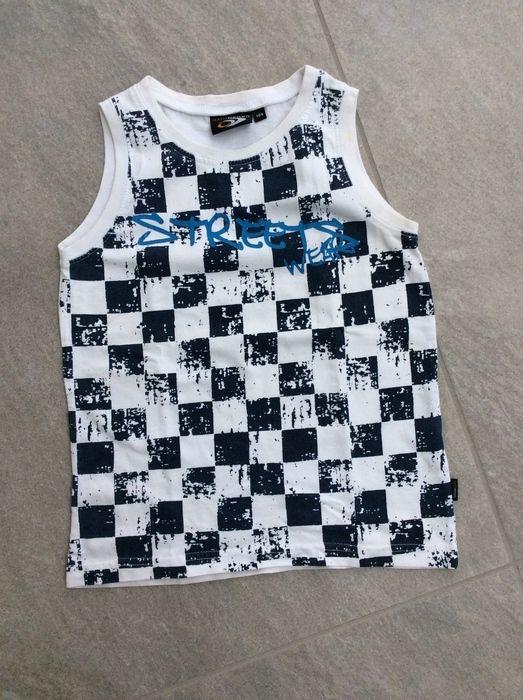 Mein Tolles Trägertop / Shirt ärmellos mit Print Street Wear in blau / Gr. 104 von Gato Negro! Größe 104 für 1,50 €. Schau´s dir an: http://www.mamikreisel.de/kleidung-fur-jungs/armellose-shirts-und-tops/33530295-tolles-tragertop-shirt-armellos-mit-print-street-wear-in-blau-gr-104.
