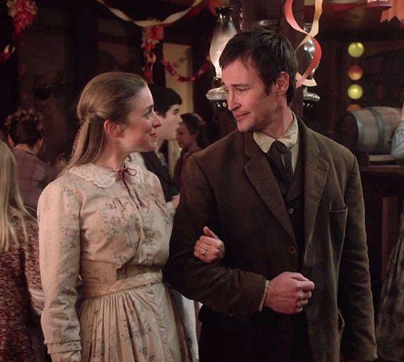 Mary Dunbar (Laura Bertram) & Dewitt Graves (Derek Hamilton ...